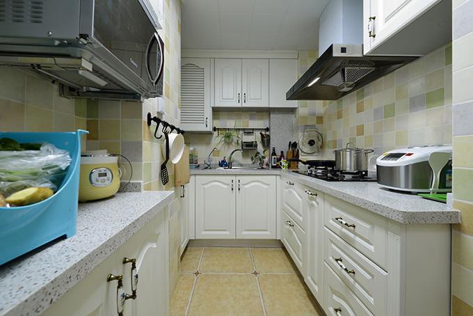 90平米小户型简约装修厨房效果图