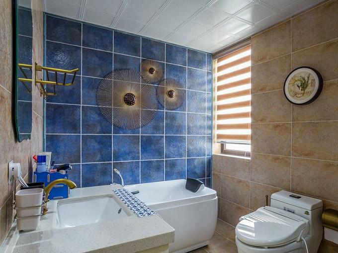 80平米三居室小户型装修卫生间效果图