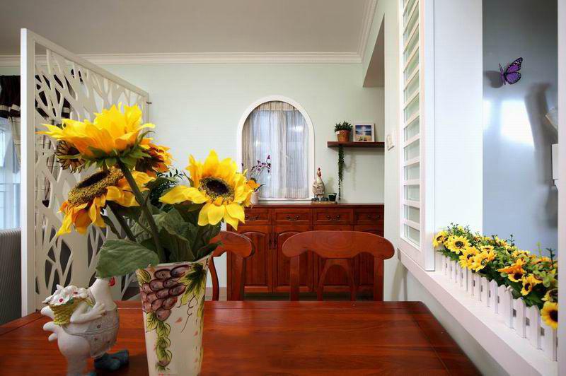 110平米美式田园装修风格餐厅桌搭配图片