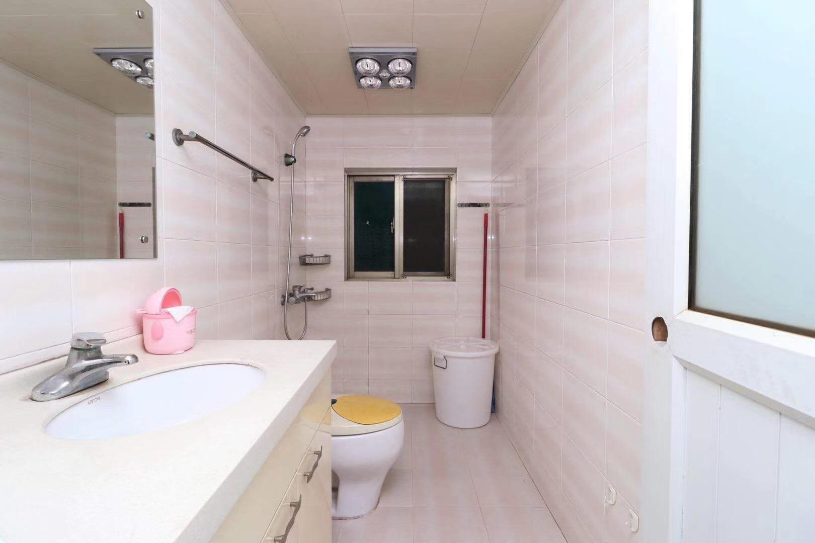 长沙110平米现代简约卫生间效果图