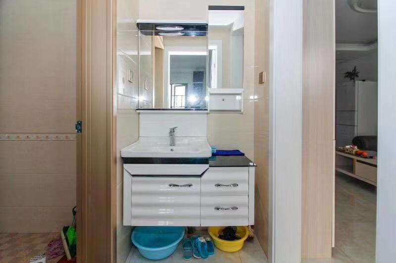 长沙80平米现代简约风格洗手台图片