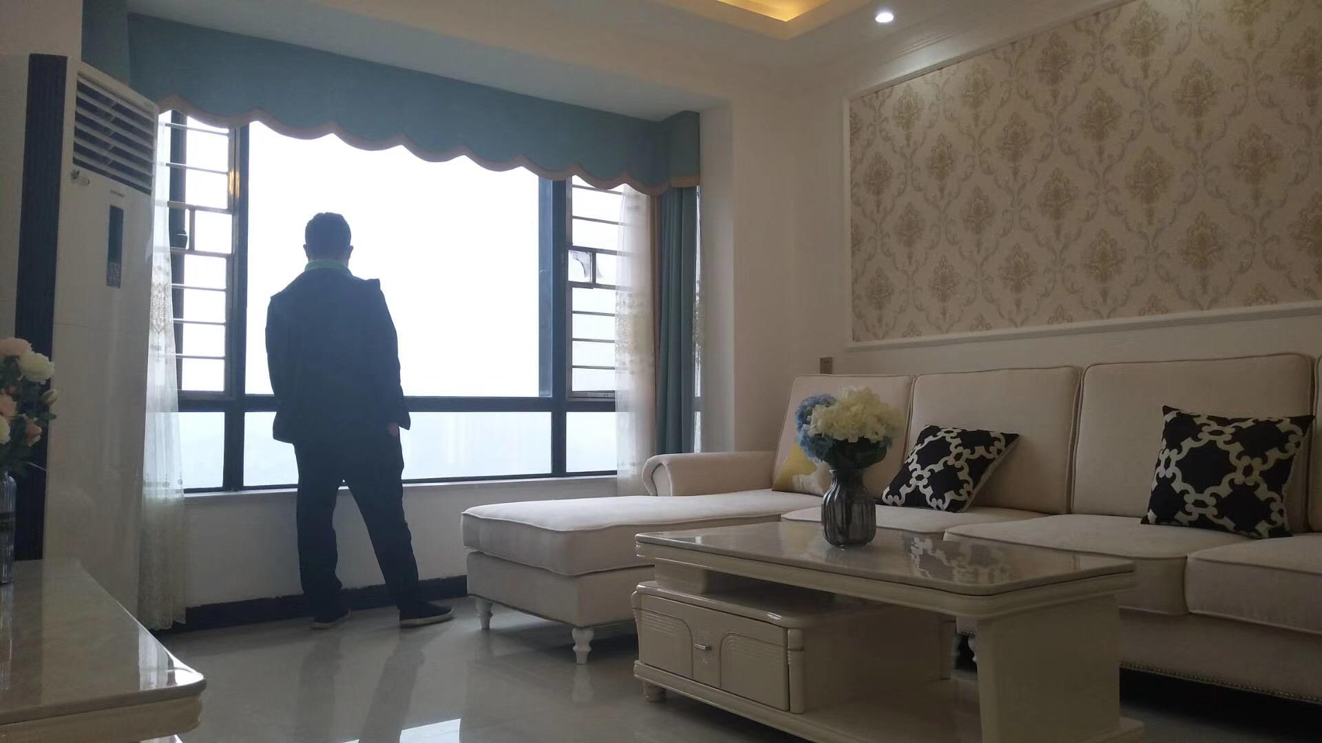 怀化85平米现代简约风格客厅展示图