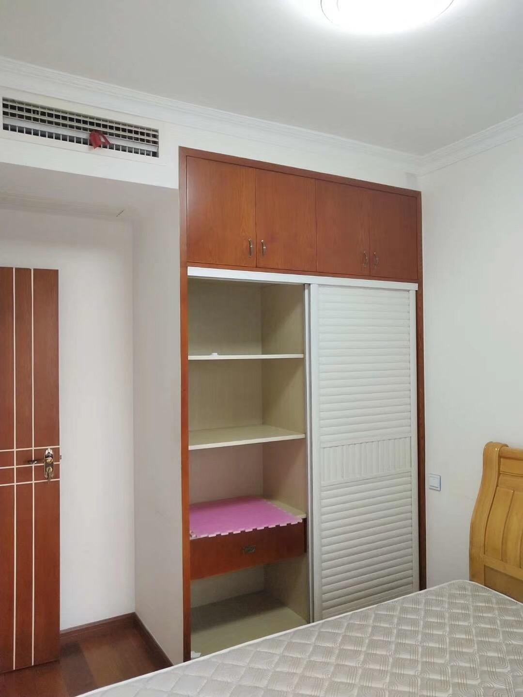 90平米简约北欧风格次卧衣柜图片