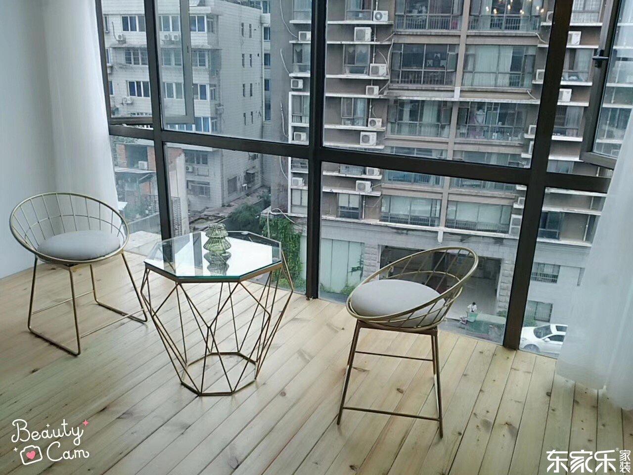 115平米现代简约风格阳台装饰搭配