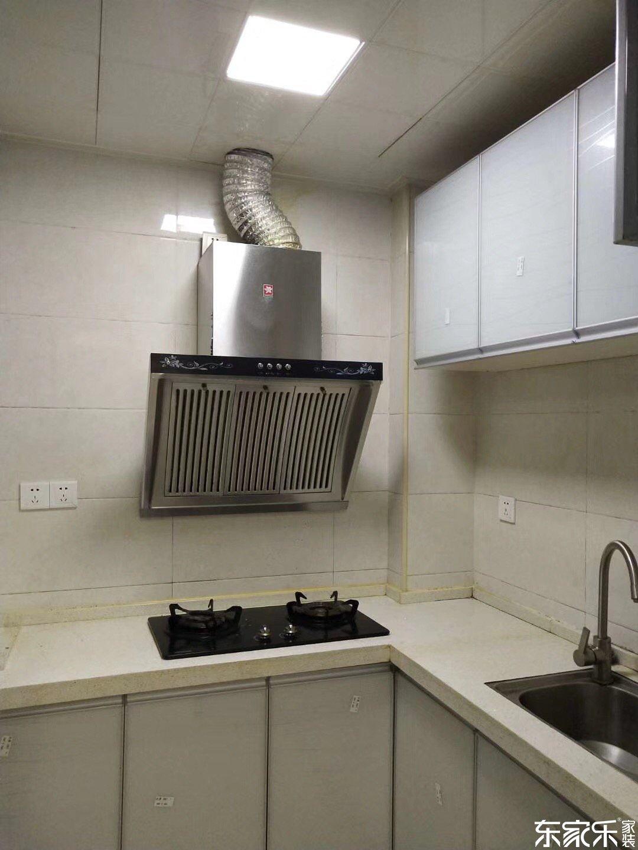 67平米现代简约风格厨房装修效果图