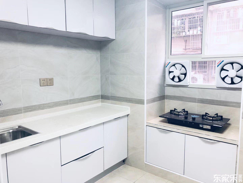 100平现代简约风格厨房装修效果图